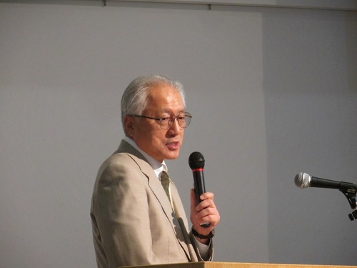 秋田県の堀井啓一副知事 出発3時間前、秋田副知事の訪韓発表 航空便維持を要請