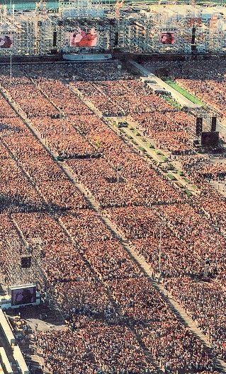 参考:GLAYの20万人ライブ