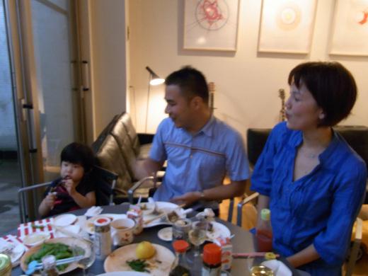 【画像】佐野研二郎の妻(MR_DESIGN事務所の広報)がサントリーバッグ盗作疑惑を説明「佐野の監修だが、細かい作業は部下がした」