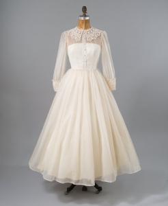 1950年代襟付きビンテージウェディングドレス