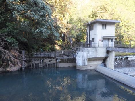 東京電力山崎発電所取水口