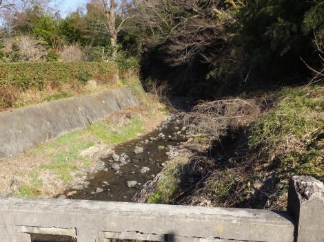 三ノ宮橋より鈴川上流を望む
