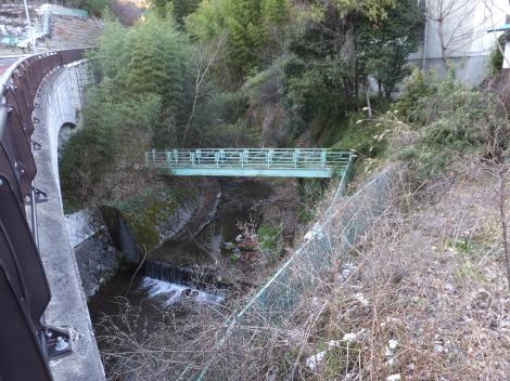 梅原橋より鈴川上流を望む