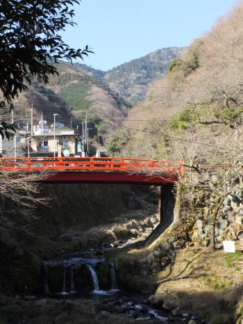 良弁滝付近の鈴川