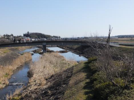大畑橋より鈴川下流を望む