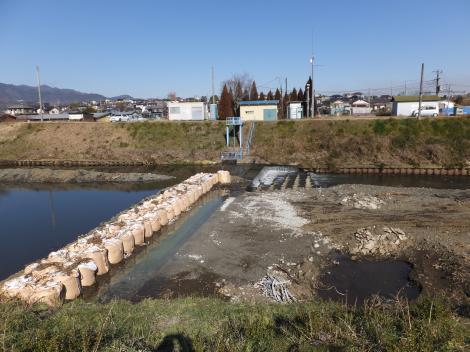 新大畑橋下流の取水施設