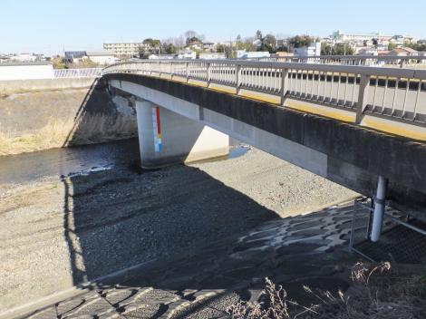 鈴川に架かる舟橋