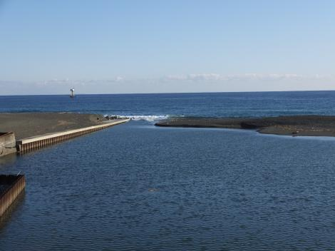 R134花水橋より花水川河口を望む