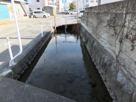 三ツ水門用水路