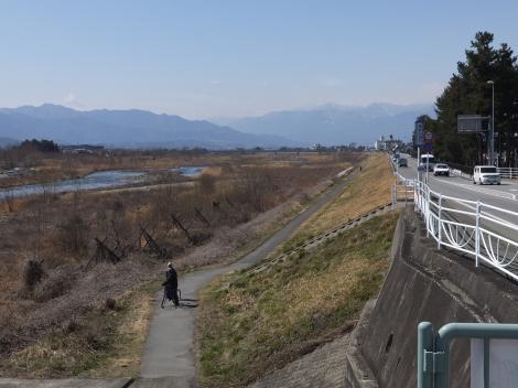 笛吹橋より笛吹川下流を望む