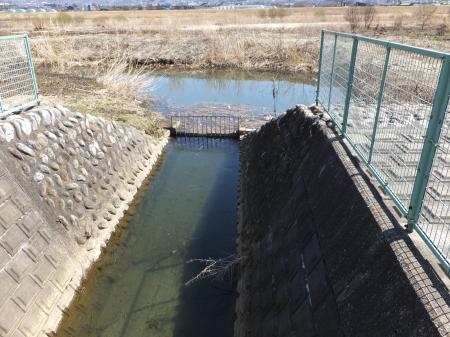 小石和用水取水施設