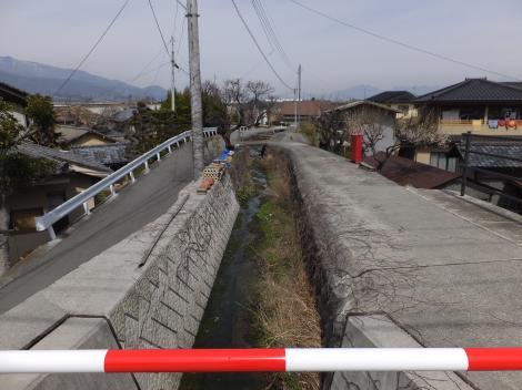 中村橋より道場川下流を望む