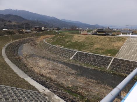 新川山王橋より下流を望む