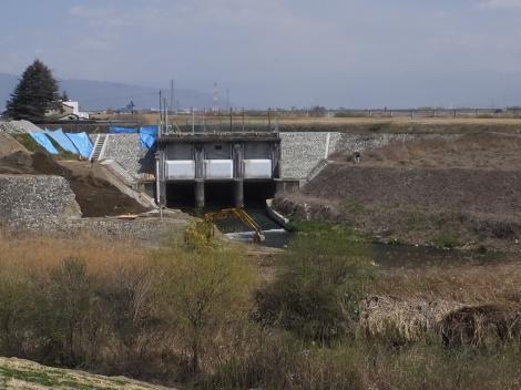 横川吐口ゲート