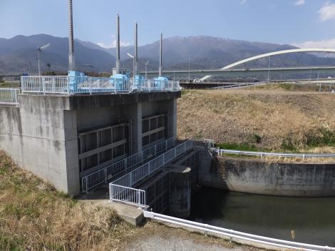 五明川上流ゲート