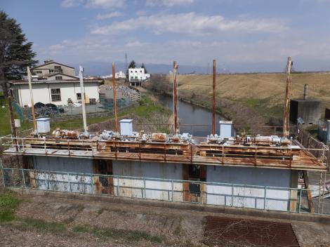 横川樋管呑口ゲートより上流を望む