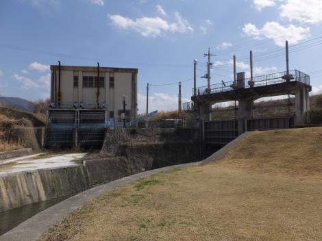 長沢川上流樋管ゲート・長沢川排水機場