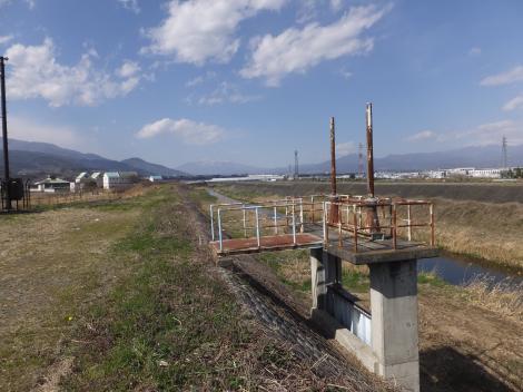 長沢川排水機場排水樋管・坪川