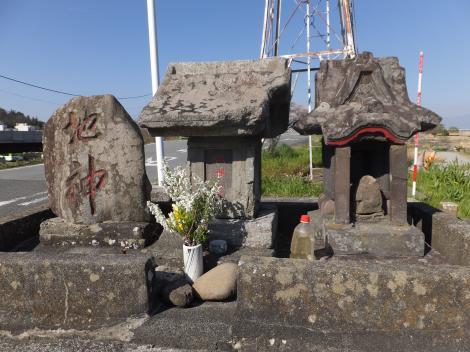 富士橋西詰の石造物