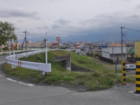 釜無川・鏡中条橋東詰付近