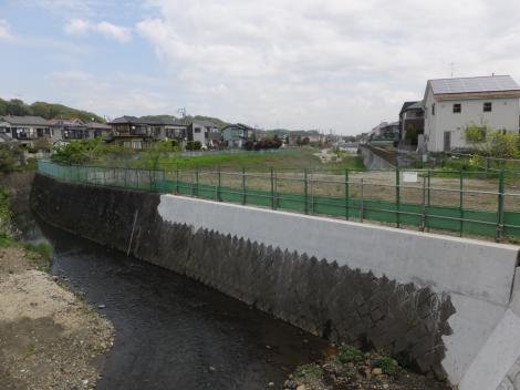 宮川橋から鶴見川下流を望む