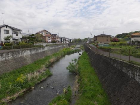 鶴見橋より鶴見川下流を望む
