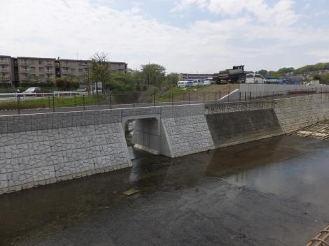 鶴見川と旧鶴見川・鶴見橋付近