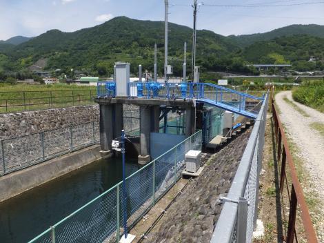 文命用水小水力発電所