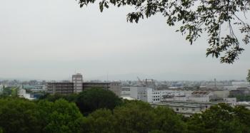 昭和山から金剛が薄っすらと