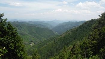 大普賢岳方面の山並み