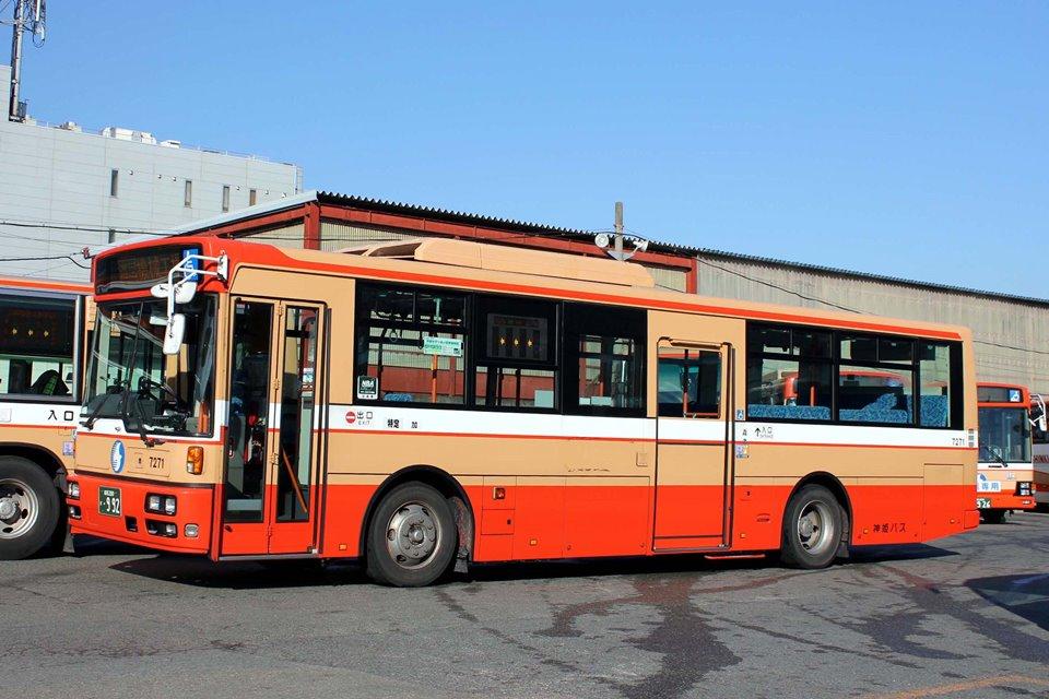 神姫バス 7271