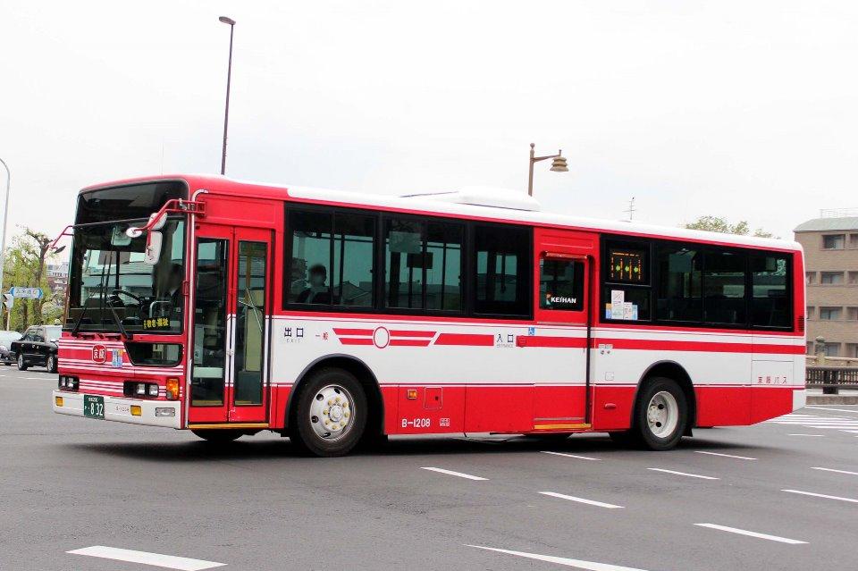 京阪バス B-1208
