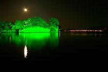 220px-Matsushima_with_moon.jpg
