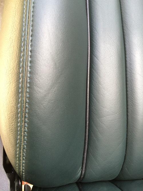 ローバーミニ レザーシート 劣化ひび割れ&破れ補修