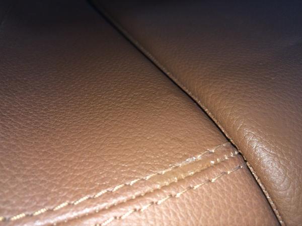ベンツ SL550 内装レザー 破れ補修