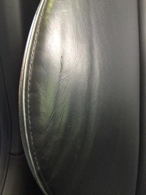 レザーシート 塗装剥がれ補修 アウディRS5