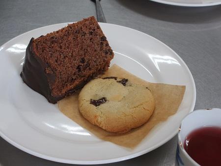 チョコレートシフォンケーキとソフトクッキー