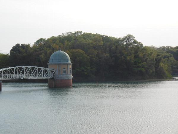 2015年4月18日の多摩湖