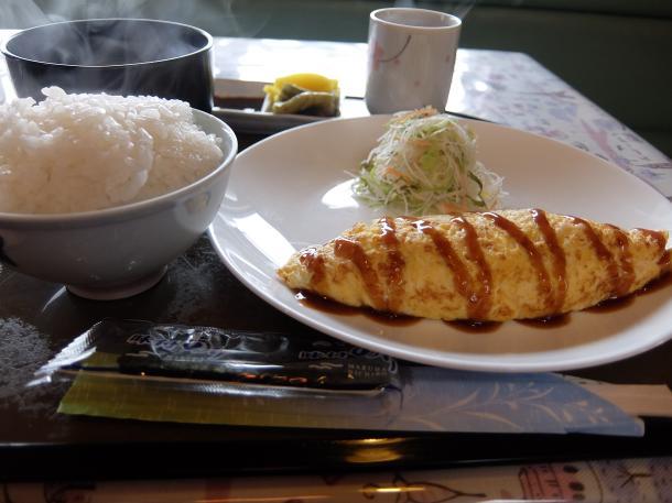 オムレツの定食