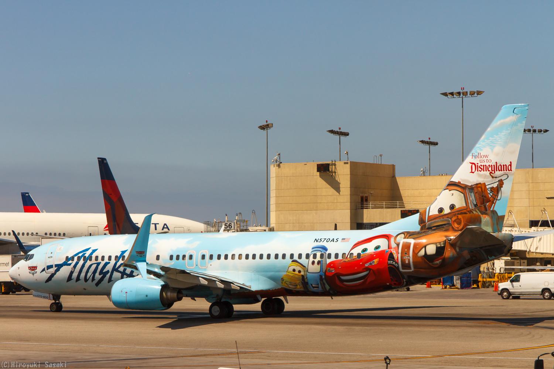 夫婦で飛行機三昧:cars ~laxでアラスカ航空のディズニー塗装機をゲット~