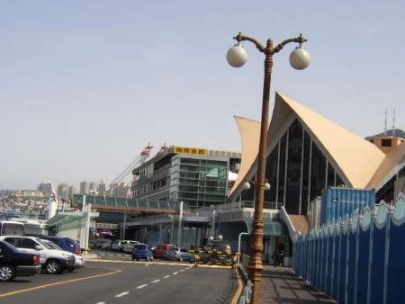 何を造らせてもまともに出来ないね ~釜山港の国際旅客ターミナル、カーフェリーが接岸できないことが判明