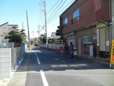 自治会館と辺田道(へたみち)通