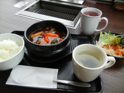 牛たんシチューランチ(ライス・サラダ・スープ付)