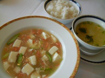 スープ・ご飯&海老と貝柱のドウチー炒め?