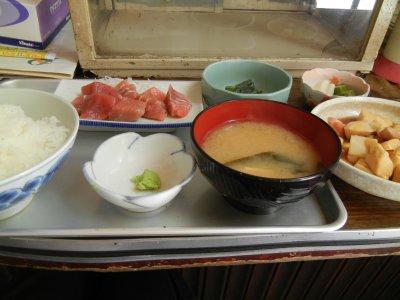 ブツ定食と肉豆腐