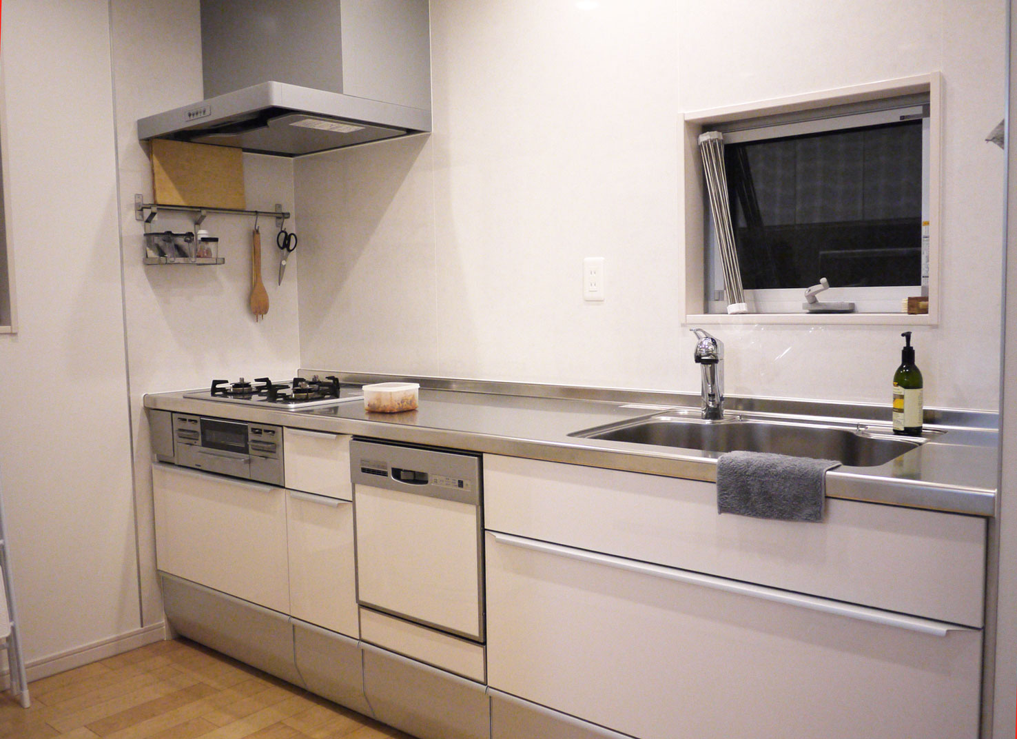 kitchen0502.jpg