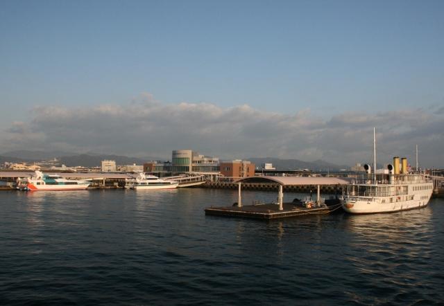 IMG_5022 朝の宇品港 (640x442)