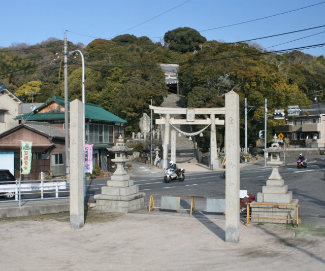 IMG_5071 八幡山神社(640x534)