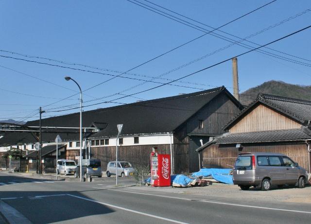 IMG_6761 醤油工場(640x461)