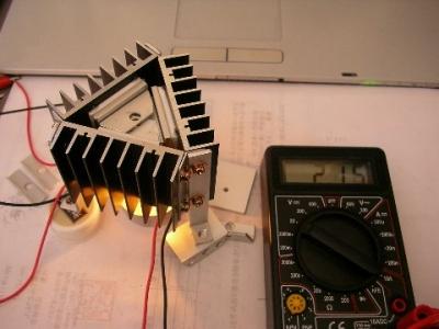 ペルチェ素子発電装置の組み立て
